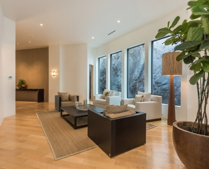 Longlook Lounge Area