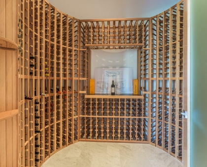 Longlook Wine Room 700+ bottles